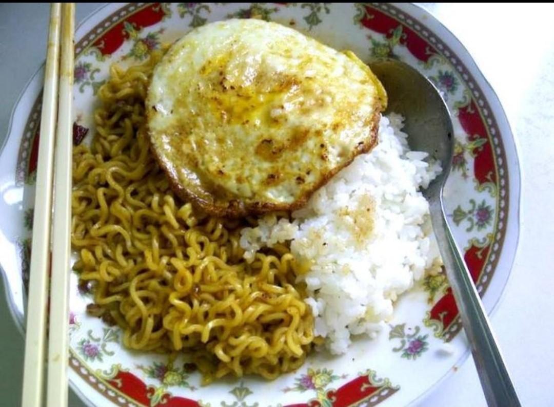 Bahaya Makan Mie Dan Nasi Secara Bersamaan