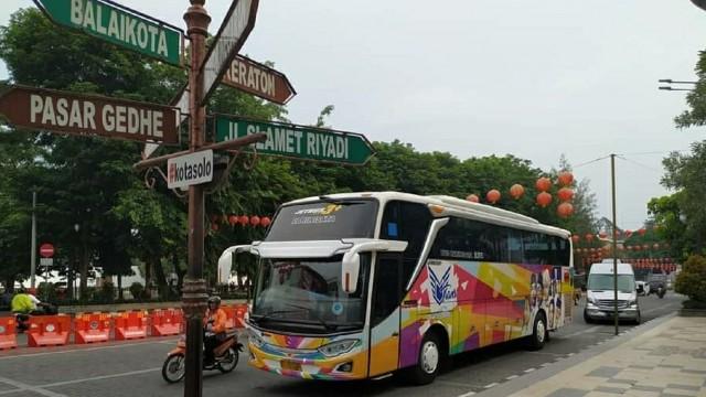 Mata Trans Sajikan Kopi Berkeliling Kota Solo