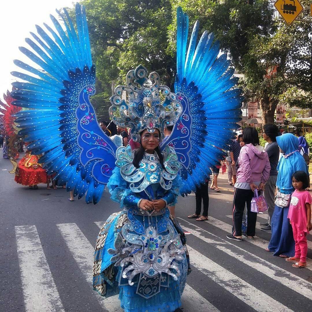 Solo dan Karnaval Batiknya